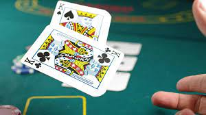 How to Take Advantage of Poker Odds to Win Big